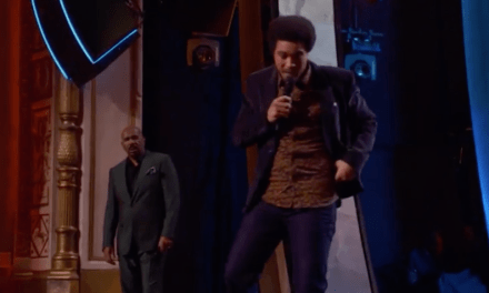 Mason Pryor, son of Richard, booed off Showtime at the Apollo