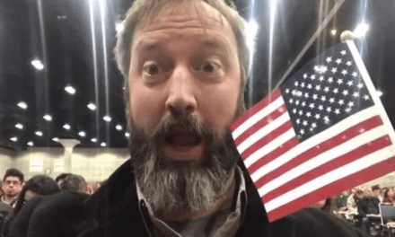 Tom Green now a U.S. citizen