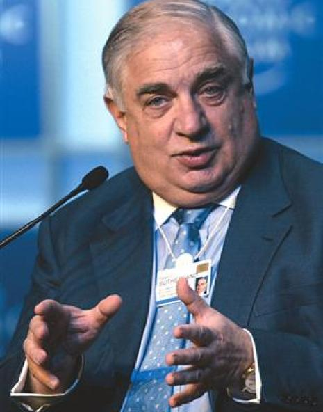 Peter Sutherland, at the heart of what happens in the Gulf.