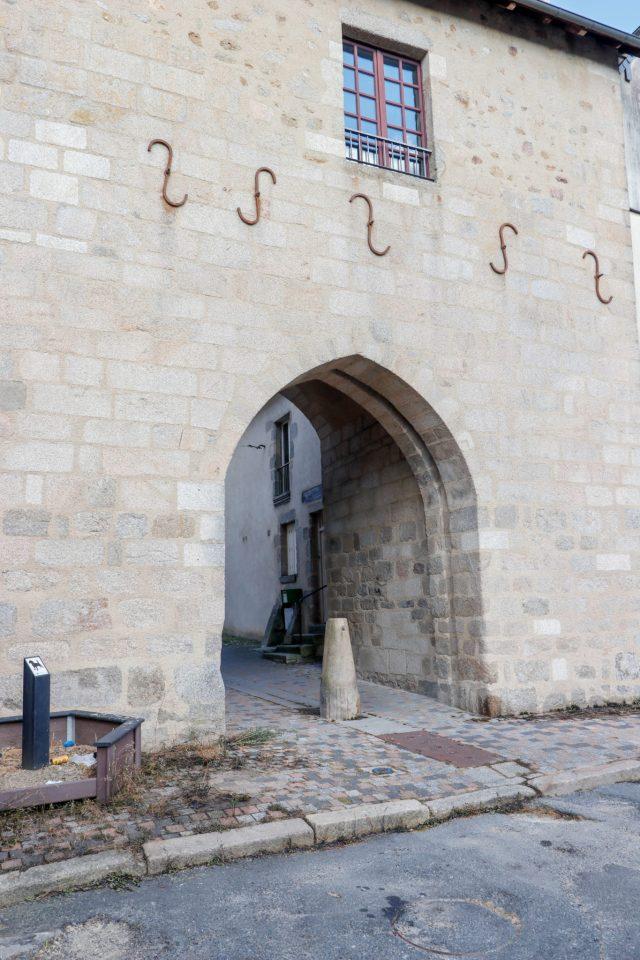 La porte de Puycharraud