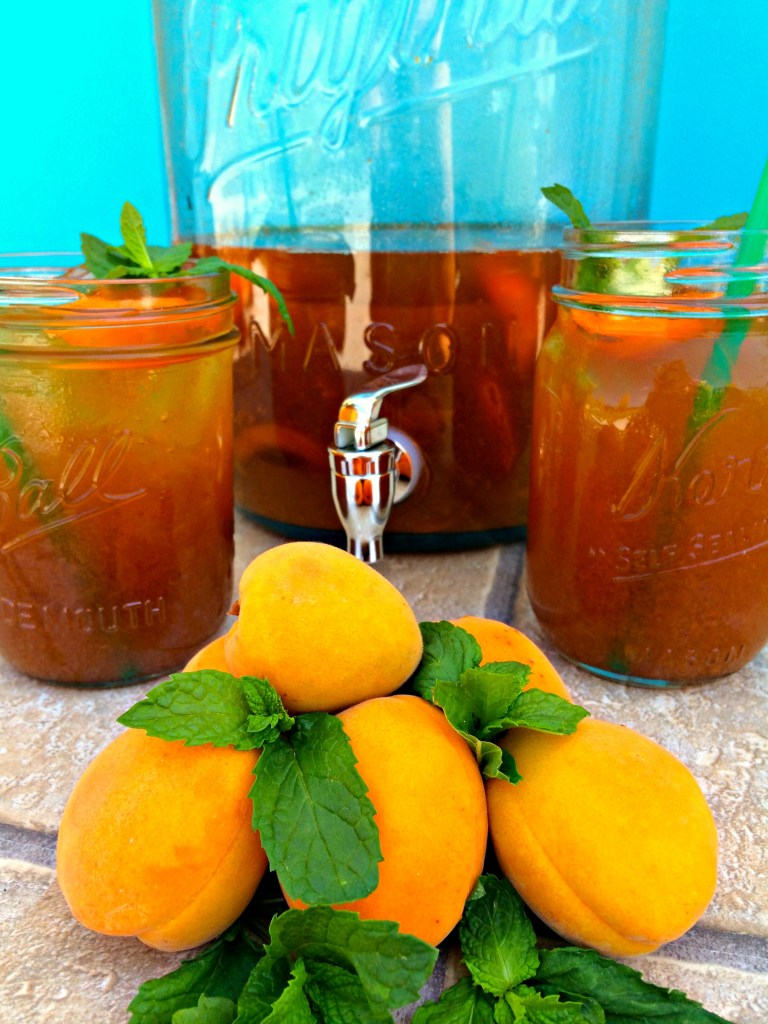 Apricot Mint Iced Tea ~ Fresh brewed black tea steeped with just picked apricots and mint for a refreshing beverage when beating the heat ~ The Complete Savorist