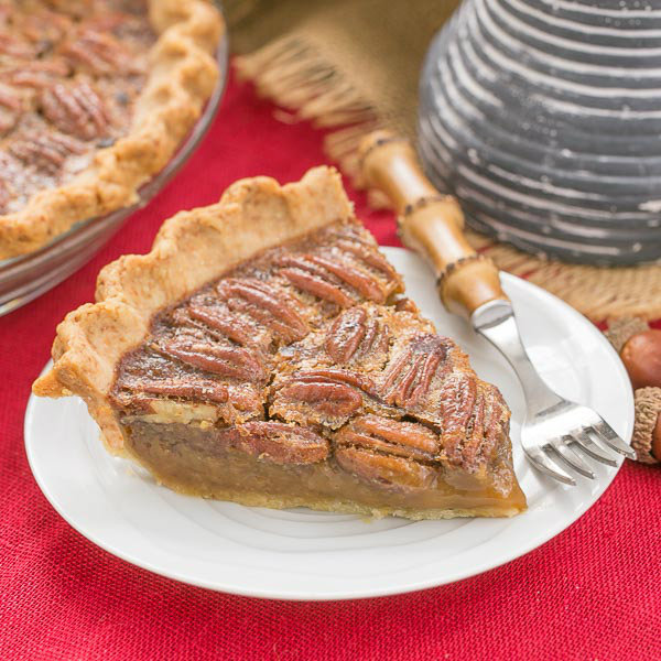 Classic Pecan Pie - That Skinny Chick Can Bake