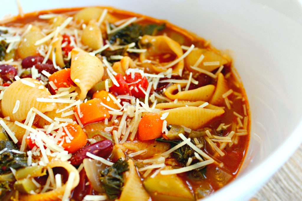 Quick Minestrone Soup ~ Quintessential Italian soup made quickly for an easy meal ~ The Complete Savorist