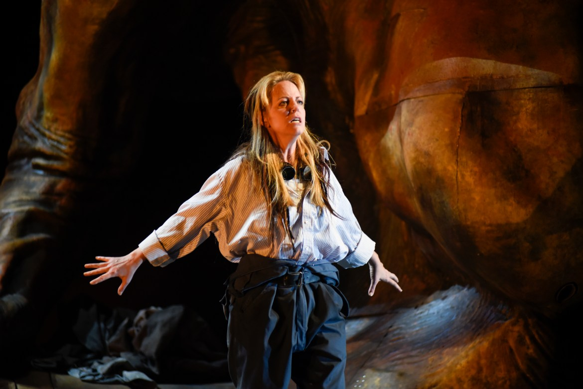 Lise Lindstrom plays Elektra, a woman seeking to avenge her father. Photo by Yves Renaud.
