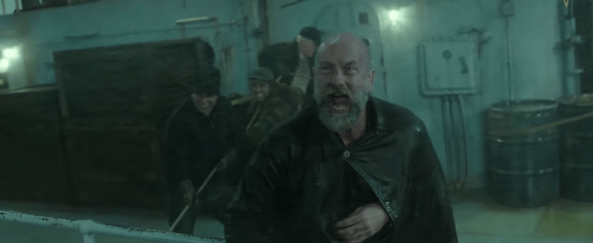 Stranded on a ship doomed to sink, the crew attempts to run their tanker aground to avoid sinking into the ocean.