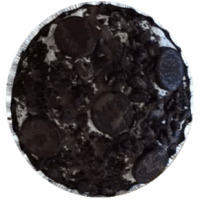 Oreos blended with vanilla ice cream then Oreo sandwich cookies & chocolate dip top added on top. **Crust contains gluten. Egg-free and peanut-free.**