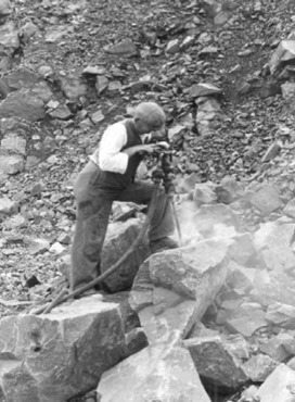Jack Hammer for Rock Breaking