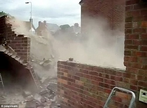 Roof Collapse due to Removal of Wall