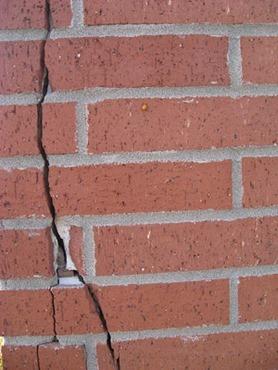 Vertical Cracks in Masonry Walls