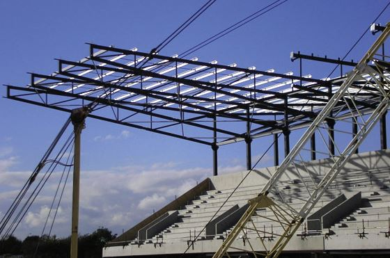 Cantilevered Roof Truss