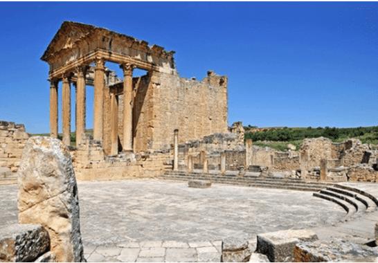Roman construction using lime concrete