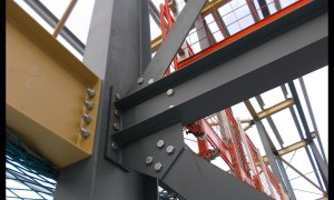 How to Perform Riveting and Bolting in Steel Structure?