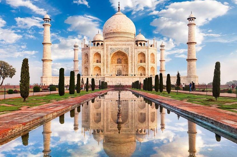 Taj Mahal: Construction of its Invincible Foundation