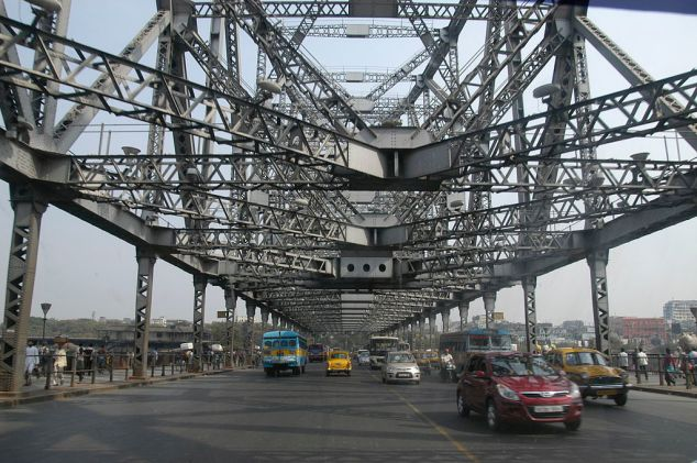 A closer view of Howrah bridge