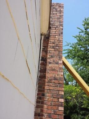 Separation in chimney of due to foundation instability
