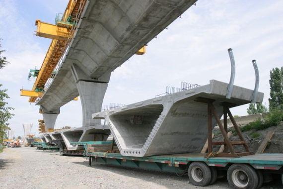Use of precast full U shape girders in Delhi metro