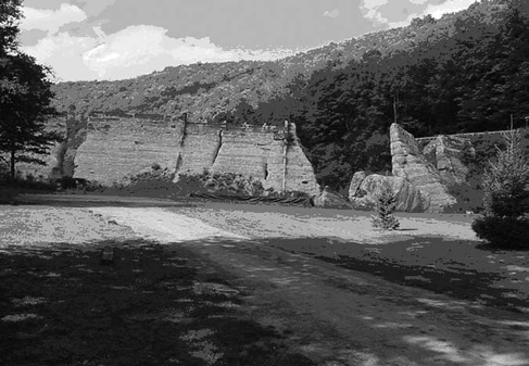Remains of the failed Austin Dam