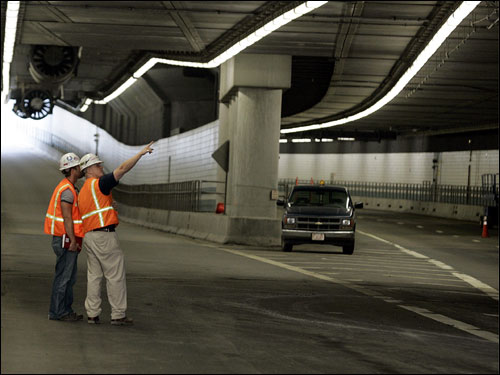 NTSB experts checking the epoxy anchors of big dig tunnel, which led to the failure of tunnel