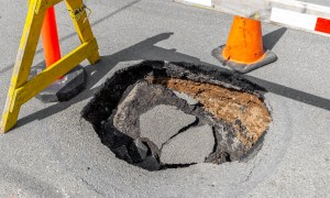 How to Repair Potholes and Patches in Bituminous Roads?