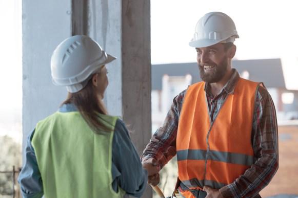 Hiring construction contractor