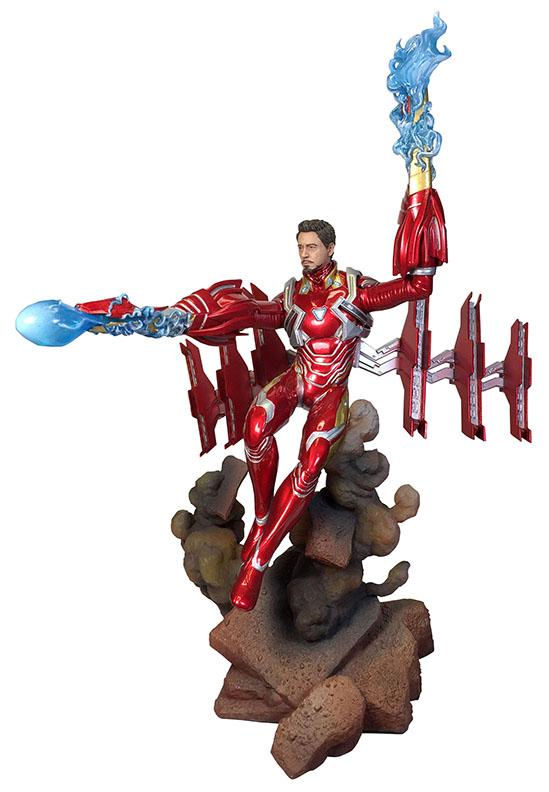 Diamond Select Toys Marvel Movie Gallery Iron Man MK50 Unmasked PVC Diorama