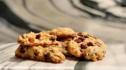 Soft-batched Chocolate Chip Cookies