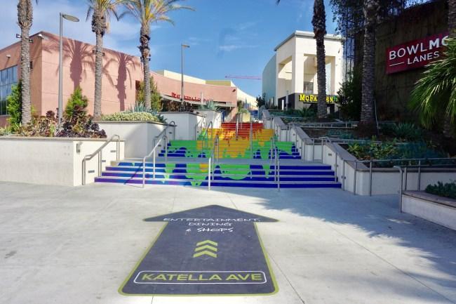 Restaurants In Garden Walk Anaheim: Spend A Day At The Anaheim GardenWalk