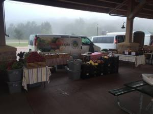 Rainy foggy day at the Sioux Falls market