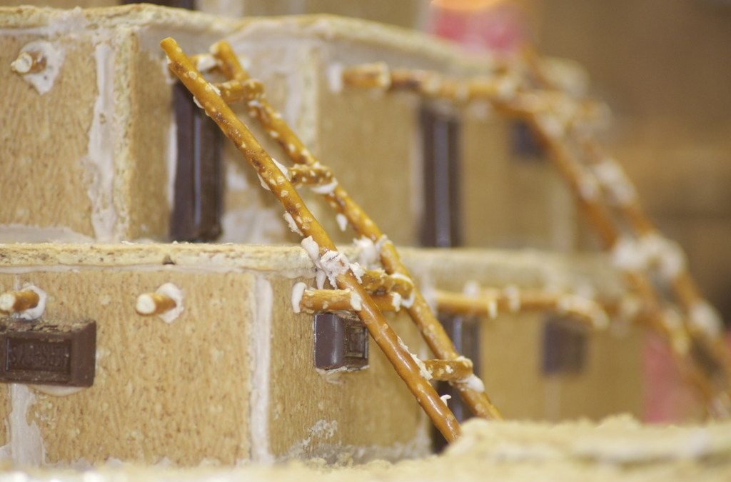 Pueblo Gingerbread House Contest – Albuquerque, NM