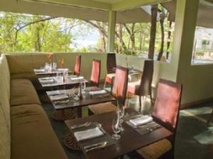 130_Restaurant_at_Arenas_del_Mar_340x255