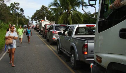 puerto viejo - taxis block road in protest