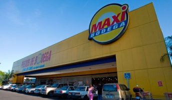Costa Rica store maxi bodega, owned by walmart