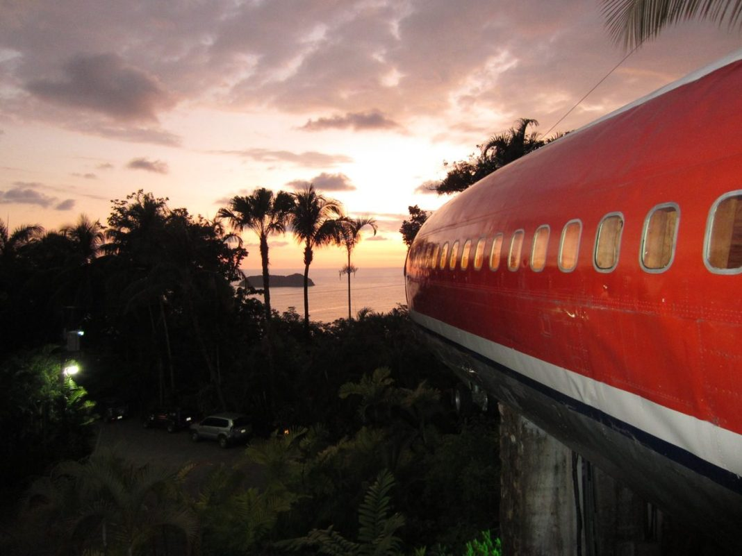 Quepos Hotel Highlighted for Unique Fuselage Suite   TCRN