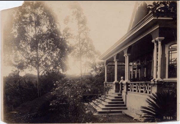 Old picture of the mysterious house
