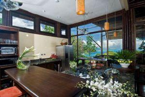 Casa Cuna kitchen