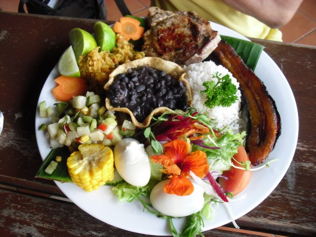 Casado represents the great mixture of the Costa Rican cuisine.