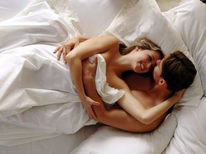 Many couples like to share their intimacy on Valentine´s Day.