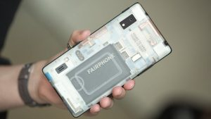 Fairphone 2 has a pretty simple design.