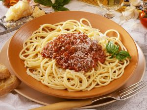 Bolognese spaghetti and cheese