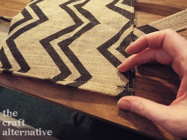 How to Make a Lined Burlap Lunch Bag_Gusset Fold
