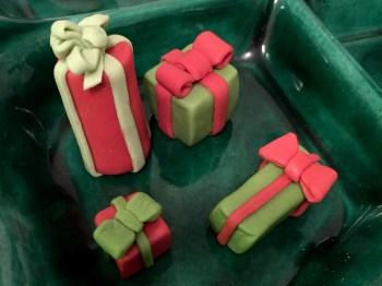 Fondant Gifts