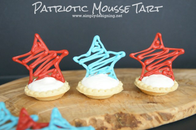 Patriotic Mousse Tart |  These look complicated but are really very simple!  Pinning for later!  | #4thofjuly #stars #memorialday #recipe #desserts