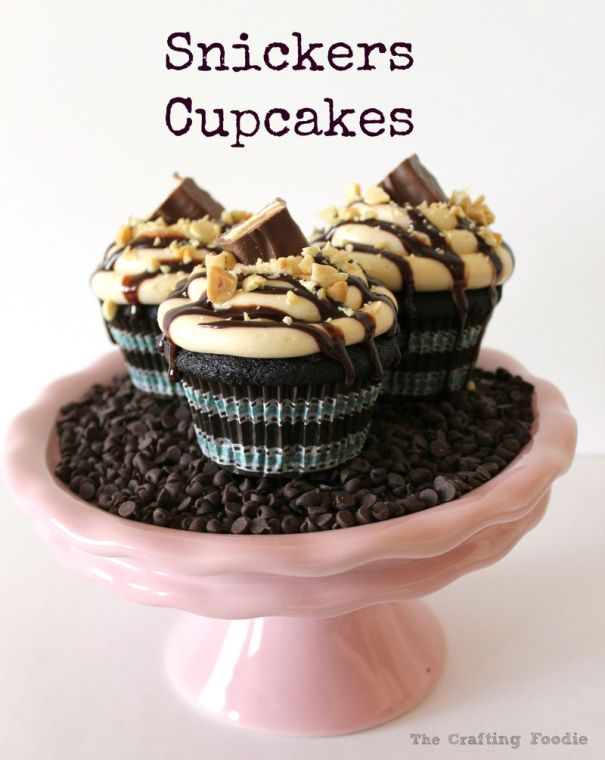 Snickers Cupcakes|The Crafting Foodie