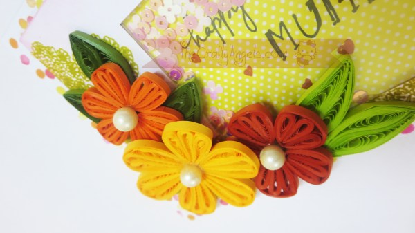 Tight quilled flower shaker card tutorial (18)