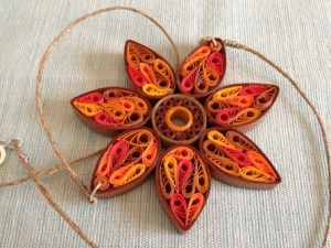 quilling tutorial : quilled sunflower necklace tutorial