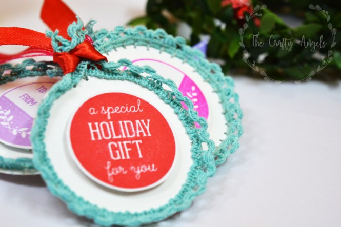 christmas craft, christmas activity, christmas gifting, gift tag, lace edged christmas tags, lace crafts, holiday craft, holiday crafting idea, holiday diy, holiday gifting, holiday DIY,
