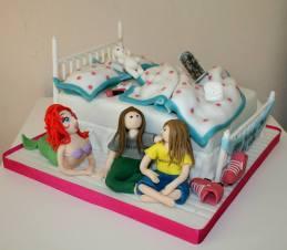 7. Cake Ali theme cake2