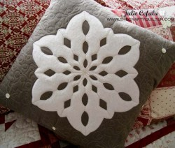 Snowflake Pillow Tutorial