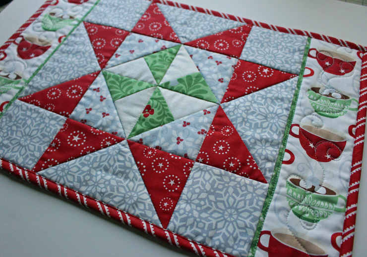 Christmas in August: Pinwheel Star Table Runner, Placemats, and ... : quilted placemat pattern - Adamdwight.com
