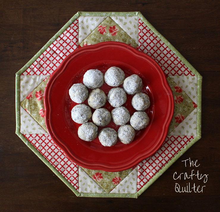 Cookie Plate Crumb Catcher